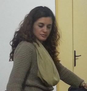La secretària d'Educació i Cultura de Compromís Xixona, Sofia Castaños, abans de la compareixença